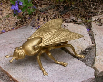 French vintage art deco metal gold patina bee ashtray home deco insect bee tray metal sculpture animal