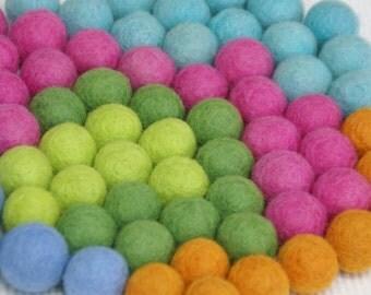 felt balls 100pcs., Choice you colors, wedding deco, table Deco, Spring deco, Felt balls 1inch 100pcs. beads 3colors  100% PURE Feltwool