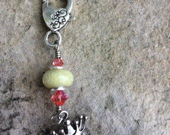 Toggle - Yellow Cream Bead with Princess Charm