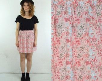 90's vintage women's rose flower patterned high waisted mini skirt