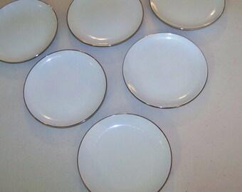 Mikasa Cosmopolitan Set Of Six Salad Plates