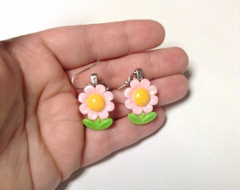Pink flower earrings, light pink flower earrings, Spring earrings