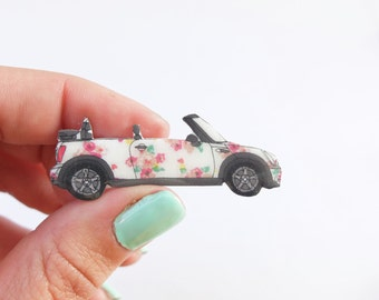 Floral mini cooper convertible brooch In 4 different colours