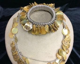 Vintage Dangling Shell Necklace Bracelet Set