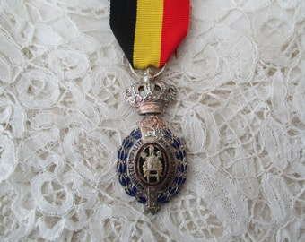 Crown medal with ribbon old