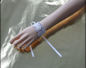 WHITE Lace VICTORIAN BRACELET, Gothic Romantic bracelet, White Lolita Cuff Bracelet, White kawaii lace bracelet, retro wedding cuff bracelet