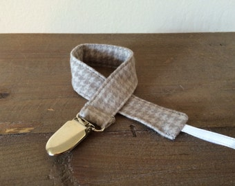 Gray Houndstooth Pacifier Clip