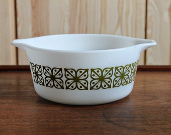 Pyrex Square Flowers (Green) Casserole 474