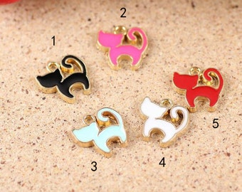 10 pcs of antique gold cat drop oil charm pendants 13x13mm