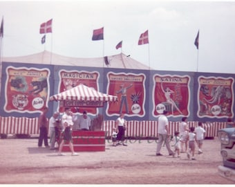 Vintage Snapshot Photo ~ 1962 Cole Beatty Circus Side Show Banners