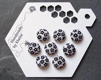 Fabric Covered Buttons - 8 x 14mm buttons, handmade button, black white buttons, black flower buttons, monochrome buttons, cute daisy, 1530