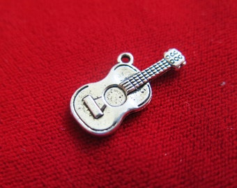 """BULK! 30pc """"guitar"""" charms in antique silver style (BC712B)"""