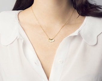 Dainty initial disc necklace - tiny gold disc necklace - personalised necklace - tiny letter charm - gold circle necklace - bridesmaid gift
