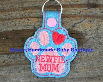 NEWFIE Mom- Newfoundland - In The Hoop - Snap/Rivet Key Fob - DIGITAL Embroidery Design