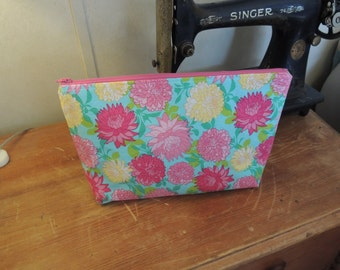 large vinyl lined cosmetic bag