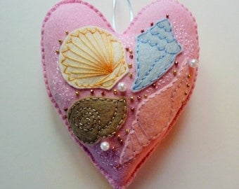 Seashell Felt Heart Ornament / Summer Decor / Beach House Decor / Seashell Decoration / Felt Decor / Doorknob Hanger / Doorknob Pillow