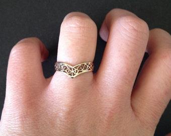 Vintage 9ct Yellow Gold Filigree Ring