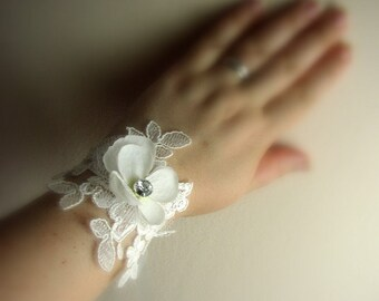 Wedding Wrist Corsage - Ivory Lace Corsage - Off White Corsage - Mother of Bride Groom - Lace Bridesmaids Corsages - Hydrangea Wristlet