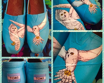 Custom painted Hedwig/Snow owl Toms! Designed and personalized just for you.