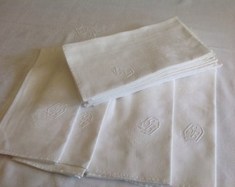 Elegant Art Deco, Monogrammed Tablecloth, Vintage, White, French Damask with 12 Large Napkins.Banquet Tablecloth, Wedding  Party or Dining.