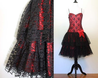 Vintage 1980s Red and Black Tiered Lace Party Dress