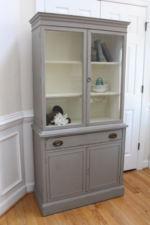 vintage china cabinet annie sloan chalk paint french linen. Black Bedroom Furniture Sets. Home Design Ideas