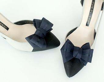 RIbbon navy Bridal Shoe Clips,Shoe Clips,Wedding Clips, Bridal Shoe Accessories,wedding shoes corsage,ribbon shoes clip,shoeclip,bluewedding