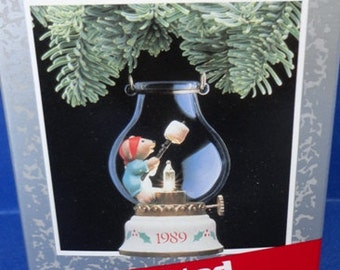1989 Chris Mouse Cookout Hallmark Retired Magic Series Ornament