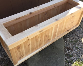 Cedar planter box/Patio planter/Outdoor garden box
