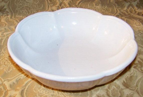Vintage Mccoy Wash Basin Mccoy White Bowl Scalloped Edge