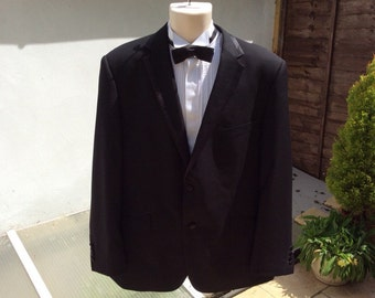 Vintage 44R 112 cm dinner jacket Tuxedo with satin trim. Bargain buy.