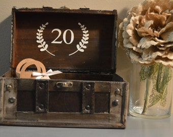 Rustic Wedding Table Number, Unique Vintage Table Number, Trunk Table Number with Leaf Accent, Wedding Table Number, Event Table Number B3B