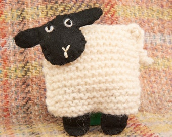 Little Woolly Lamb - Learn to Knit Kit