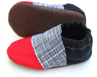 Baby Moccasin, Cloth Baby Shoe, Soft Soled Infant Shoe, Faux Leather Baby Shoe, Soft Sole Baby Shoe, Newborn Moccasin, Red Moccasin, Black