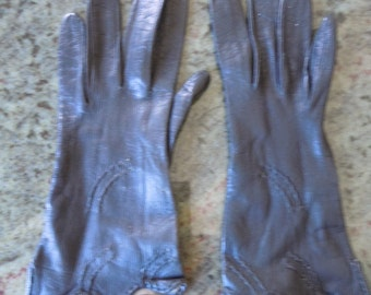 Attractive Black Leather 1940s Women's Gloves -- Size 6 1/2