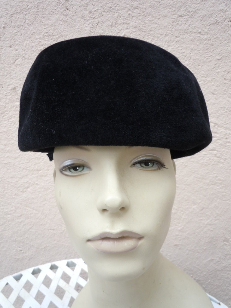 beautiful 1930s 40s black felt s hat with stunning