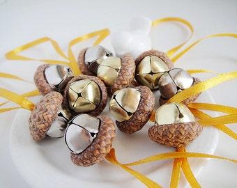 12 Acorn Ornaments with bells. Real Oak Acorns. Choose your color(s)! Fairy Woodland Decor, Rustic wedding, Waldorf decorations, Sweet Home