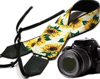 Sunflowers Camera strap with lens pocket.  Flowers camera strap.  DSLR Camera accessories. Canon camera strap. Nikon camera strap.
