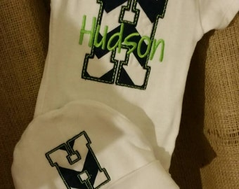 Newborn Appliqued onesie and hat set