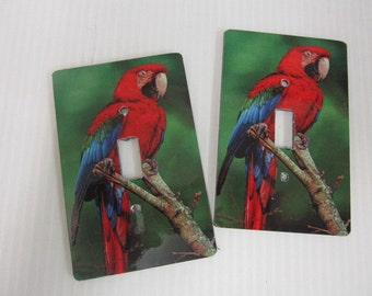 2 light switch plage covers, Macaw parrot design