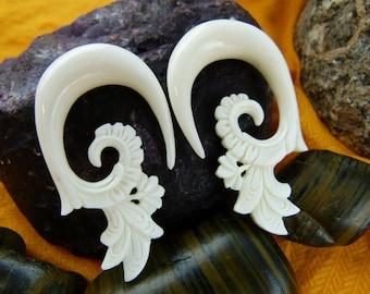 Bone Hanging 00g Stretch Earrings - Blooming Lotus Bone 10 mm 00 gauge Earring - Tribal Bone 10mm Stretch Earrings C038
