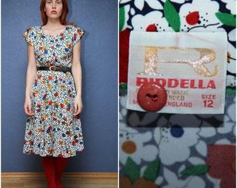"Vintage Flowery Summer Dress from ""RIDDELLA""  1970's  Size Medium M"