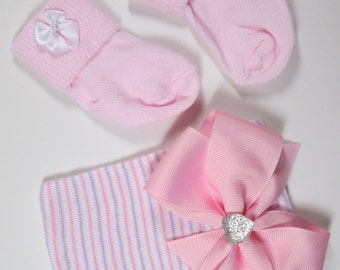 Newborn Hospital Hat, Newborn Beanie Girl Hat, Newborn Baby Hat, Newborn Hat, Newborn Socks ,Baby Girl Hospital Hat, Baby Keepsake