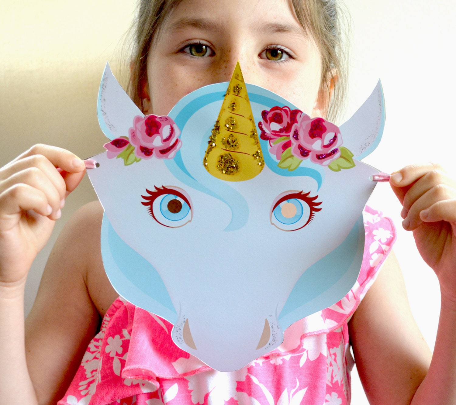 unicorn mask diy paper unicorn party favor. Black Bedroom Furniture Sets. Home Design Ideas
