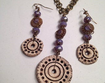 Set: ceramic dotted disks with lavender Czech glass beads