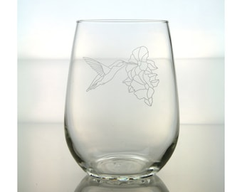 Hummingbird  Wine Glass / Free Personalization / Humming Bird Etched Stemless Wine Glass / Gift for Mom