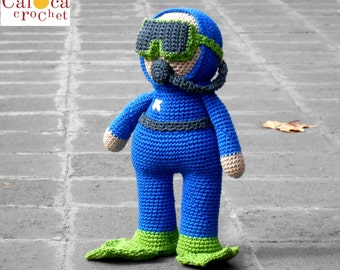 Pattern Scuba Diver Submariner amigurumi. By Caloca Crochet.