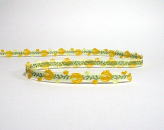 Yellow and Green Tulip Woven Cotton Trim