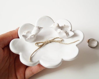 Love Bird Wedding Ring Plate, Bird Plate, Cloud Shaped Plate, Ceramic Ring Holder, Wedding Ring Pillow, Jewelry Holder, Ceramics and Pottery