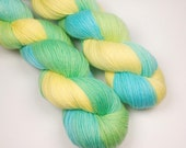Solbad vid poolen Moods, Semisolid Softsock Hand Dyed, fingering superwash